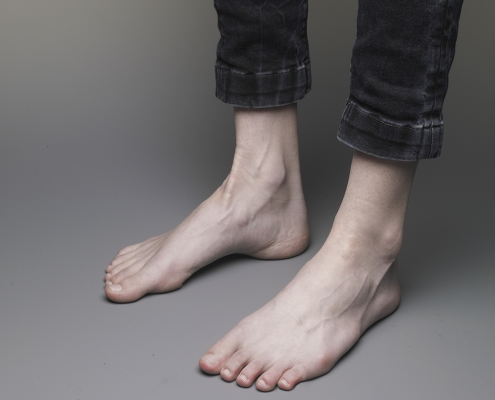 MAGRITTE-pieds